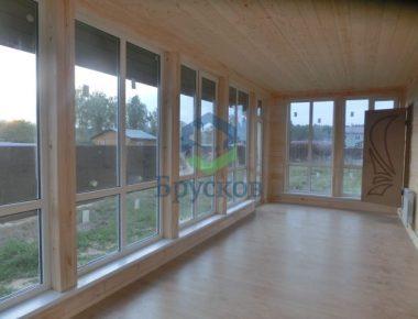 большие окна на веранде